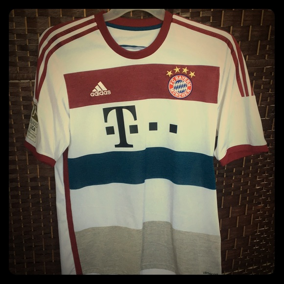 finest selection 61ca0 b5702 2013-14 #25 Thomas Muller Bayern Away Kit